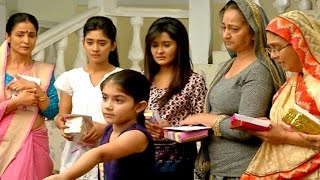 getlinkyoutube.com-Yeh Rishta Kya Kehlata Hai 2nd December 2016 Akshara Last Gifts Makes Everyone Emotional