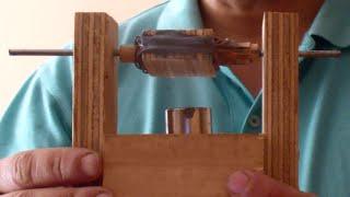 getlinkyoutube.com-Motor eléctrico Corriente Continua simple con escobillas y colector (conmutador). DIY y teoría.
