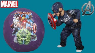getlinkyoutube.com-Marvel Giant Surprise Kinder Egg Toys Opening Avengers Spiderman Captain America Hulk CKN Toys