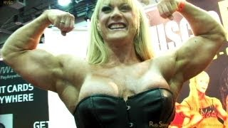 getlinkyoutube.com-Lisa Cross Bodybuilder in the Muscle Pin-ups Booth at the Arnold Classic 2012