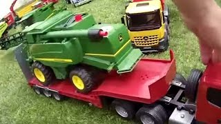 getlinkyoutube.com-BRUDER TRUCK  Scania Low loader truck JOHN DEERE T670i combine harvester