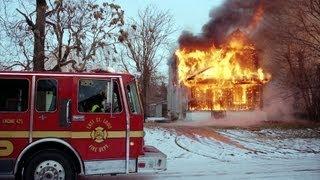 getlinkyoutube.com-East St. Louis Firefighters Struggle