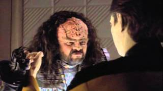 getlinkyoutube.com-Data and a Klingon funny scene