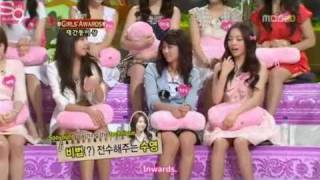 getlinkyoutube.com-SNSD Funny Moment #69 - Dorky Lessons For Kara
