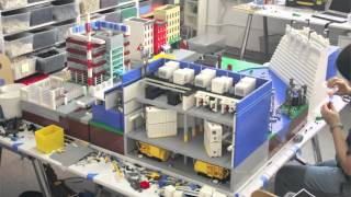 getlinkyoutube.com-28,000 piece LEGO city built in 90 seconds