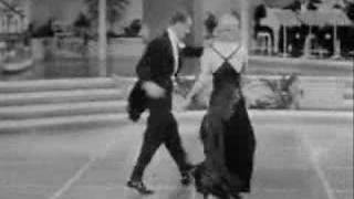 getlinkyoutube.com-Fred Astaire and Ginger Rogers - Smoke Gets In Your Eyes