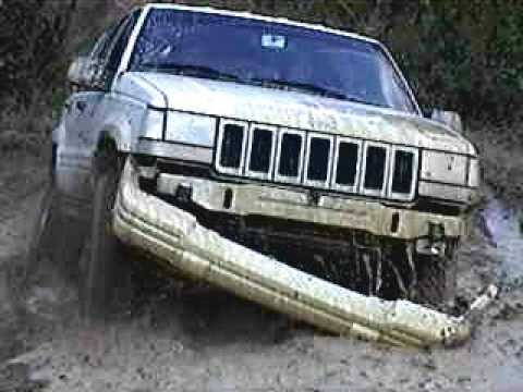 Extreme 4x4! Grand Cherokee Destroys Front end!