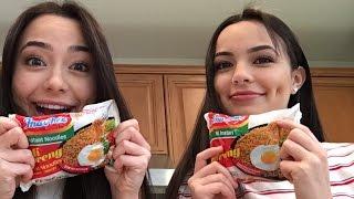getlinkyoutube.com-Instant Noodle Challenge - Merrell Twins
