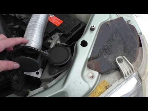 Снятие и установка воздушного фильтра ВАЗ-21104