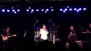 getlinkyoutube.com-David Cassidy in Concert Punched by Crazed Fan