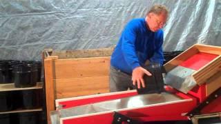 getlinkyoutube.com-Brockwood Worm Harvester.flv