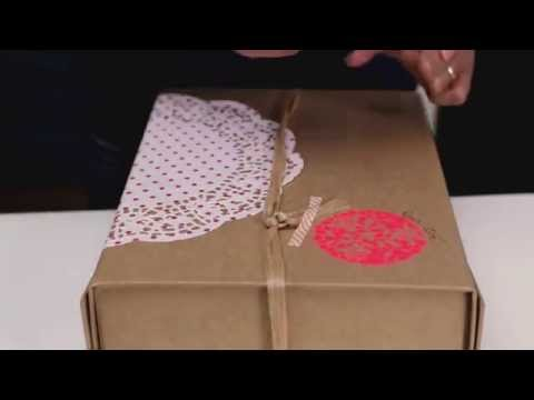 DIY : décorer des paquets cadeau avec des napperons en papier