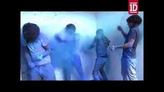 getlinkyoutube.com-One Direction Paint Splat [HD]