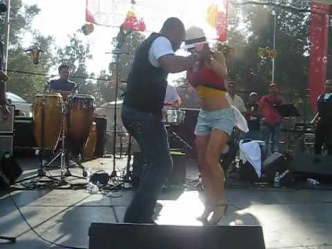 Salsa Colombiana al ritmo de la Sonora Carruseles [HQ].mp4