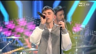 getlinkyoutube.com-Years & Years - King (Live at The Voice of Italy 2015)