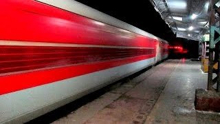 getlinkyoutube.com-Night 130Kmph Blast: Superfast Train  Sampoorna Kranti Smashes Khurja!!