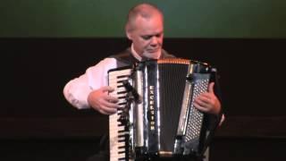 getlinkyoutube.com-手风琴演奏《查尔达斯》《西班牙斗牛士》