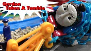 "getlinkyoutube.com-トーマス プラレール ガチャガチャ すべったゴードン Tomy Plarail Thomas ""Gordon takes a tumble"""