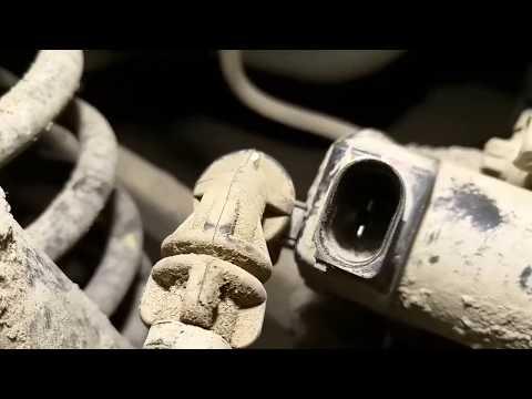 Замена тормозных колодок на HYUNDAI i40. Как снять клему?