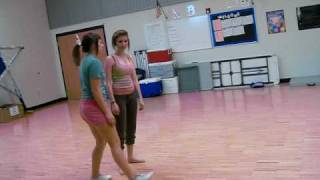 getlinkyoutube.com-WHITE GIRLS VS. BLACK GIRLS (DANCE OFF)