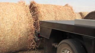 getlinkyoutube.com-Deweze 600 & 700 Series Bale Bed