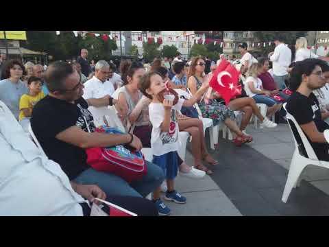 30 AĞUSTOS ZAFER BAYRAMI ETKİNLİKLERİ - İZMİT'TE KLASİK CANLI MÜZİK VE DANS GÖSTERİMİ BÜYÜLEDİ
