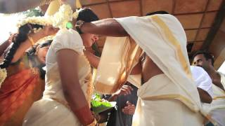 getlinkyoutube.com-Traditional Kerala Hindu Wedding