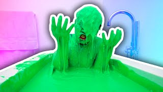 getlinkyoutube.com-SLIME BATH CHALLENGE!