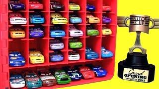 getlinkyoutube.com-Maleta Porta Carrinhos Filme Carros 2 da Disney Pixar Cars2 Carry Case Display Toys em Portugues