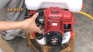 getlinkyoutube.com-Knapsack Power Sprayer (Operation of LY-768-GX35) HONDA GX35