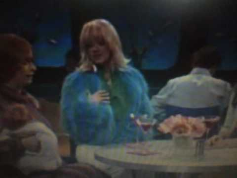 Christina Aguilera SNL Samantha Jones