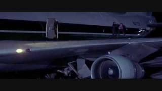 getlinkyoutube.com-Die Hard 2: Fight Scene