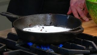 getlinkyoutube.com-How to Effortlessly Clean a Cast Iron Pan