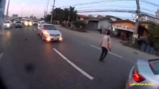 سائق متهور بسبع أرواح