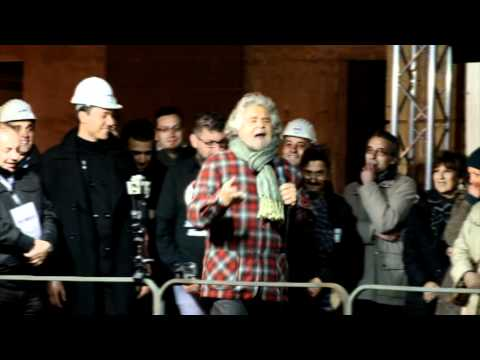 Beppe Grillo Lecce 9 aprile 2012