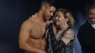 Madonna - Unapologetic Bitch (Live in Cologne/KÖLN, Rebel Heart Tour Lanxess Arena 4 nov) HD