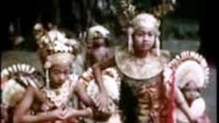 getlinkyoutube.com-Bali, 1936- The Mystical Barong, and Legong Dance - Tempo Doeloe Indonesia