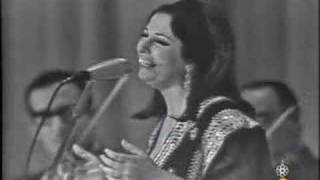 getlinkyoutube.com-نجاة الصغيرة - ساعة ما بشوفك جنبي - سينما الاندلس 1966