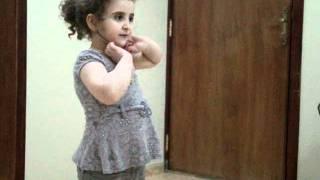 getlinkyoutube.com-تقليد حلا الترك ! الطفلة رؤى