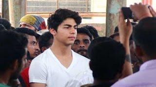 getlinkyoutube.com-Aryan Khan Perfect COPY of father Shahrukh Khan   UNCUT FOOTAGE