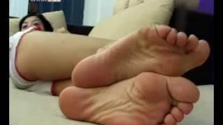 getlinkyoutube.com-chinese asian wrinkled soles & tickled feet