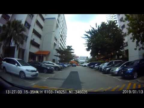 Grab driver and passenger bicker to the point that driver gets accused of hitting a pregnant woman
