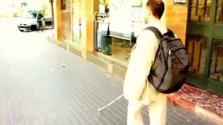 getlinkyoutube.com-Blind Man navigating Streets with Perfection