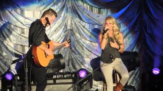 getlinkyoutube.com-Don't Forget To Remember Me (acoustic) – Carrie Underwood (2015 Allentown Fair)