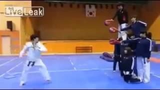 Karate - Chute Helicóptero