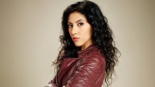 getlinkyoutube.com-Stephanie Beatriz on How Andy Samberg Looks in a Speedo! | POPSUGAR Interview