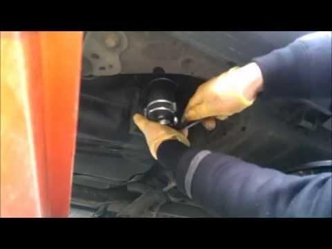 Где у Volvo S60 топливный фильтр