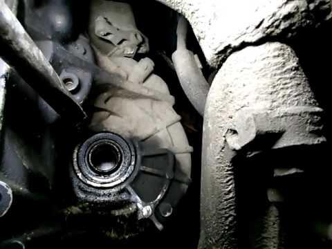 Volkswagen Passat B6(VW) Пассат Б6 как поменять сальник привода gland drive.