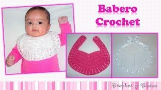 getlinkyoutube.com-Babero para bebés con botón o cintas tejido a crochet (ganchillo)