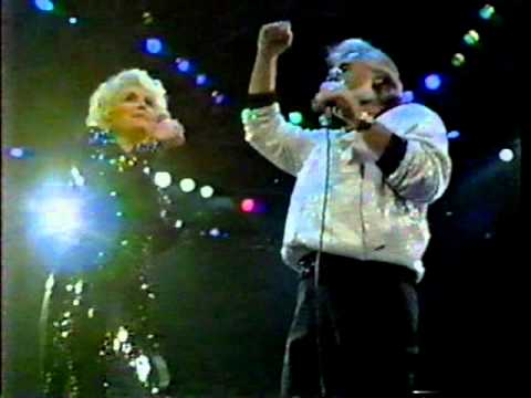 Islands in the Stream - Kenny Rogers & Dolly Parton -OfKBnUvVO-M